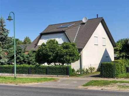FREI ! schickes EFH mit 5 Zimmern im Nord-Osten von Berlin mit großem Swimmingpool + Carport