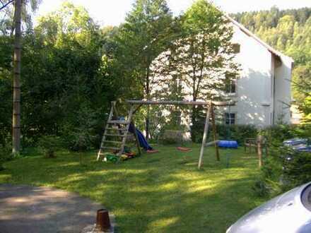 Familienwohnung mit großer Terrasse und Gartenanteil, demnächst zu vergeben