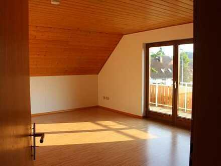 Gepflegte 3-Zimmer-DG-Wohnung mit Balkon in Ballrechten-Dottingen
