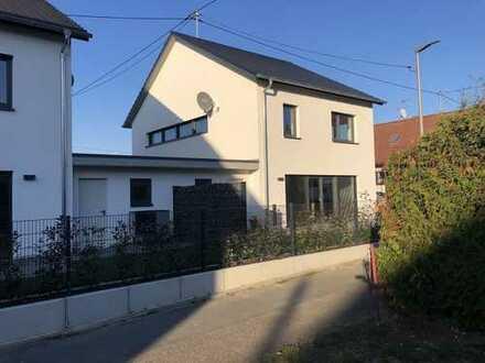 Energetisch hochwertiges Einfamilienhaus Erstbezug KFW 55