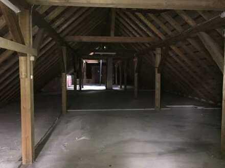 Lagerfläche ca. 140 qm + 25 qm Sozial- oder Bürofläche - Trocken - Lichtgeschützt