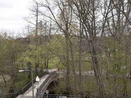 Moderne 2-Zimmerwohnung: Zentrale Lage + einmaliger Blick über Wöhrder Wiese