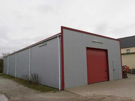 Moderne Hallenfläche mit großem Zufahrtstor und bedarfsweise Bürobereich in verkehrsgünstiger Lage!