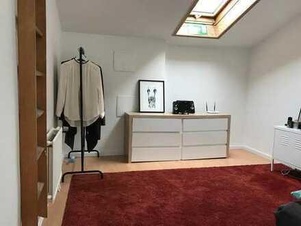 Möbliertes 26qm Maisonette-Zimmer in netter 2er WG, Westpark