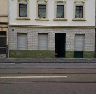 Attraktives Haus mit ca. 220m² Wohnfläche, ehemaliger Gaststätte 150m² im Herzen von Köln-Mülheim