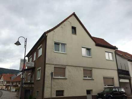 Saniertes 6-Zimmer-Mehrfamilienhaus mit EBK in Steinbach-Hallenberg, Steinbach-Hallenberg