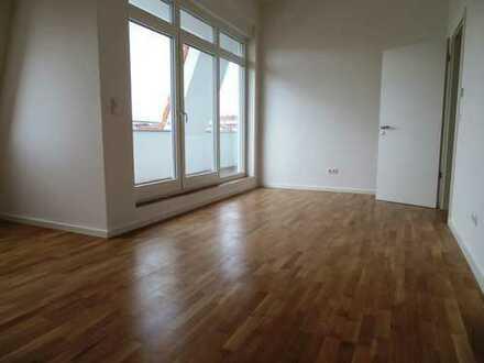 kurzfristiger Bezug - Dachgeschoss - ruhige Straße - nahe Boxhagener Platz