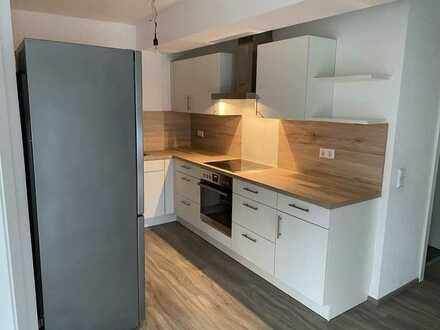 Neuwertige 2.5-Zimmer-Wohnung mit Terrasse und EBK in Egenhausen