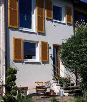 Schönes saniertes Reihenmittelhaus in Ostfildern, 4 Zimmer + Garten + Garage