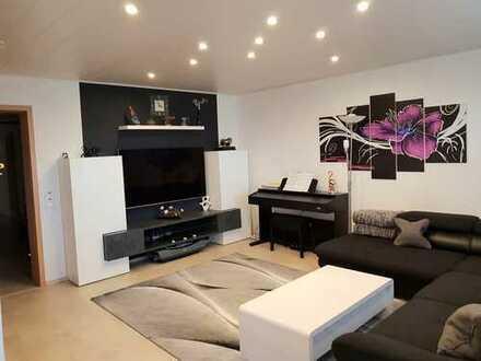 Stilvolle, modernisierte 3,5-Zimmer-Wohnung mit Balkon und Einbauküche auf dem Sonnenhof