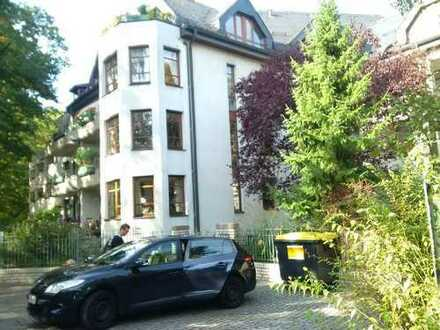 Großzügige 3 Zimmerwohnung mit Balkon in parkähnlicher kleiner Wohnanlage, zum 01.03.20 zu vermieten