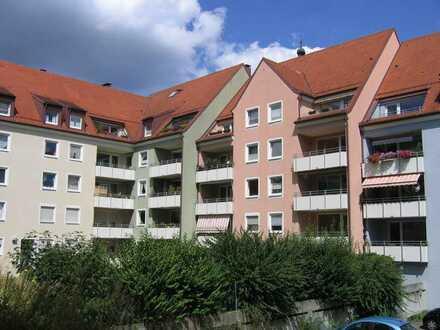 Schöne, helle und großzügige 3- Zimmerwohnung mit großem Südbalkon in Memmingen, Innenstadt