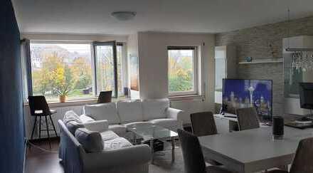 Moderne, sehr helle 3 1/2 Zimmerwohnung mit Garage