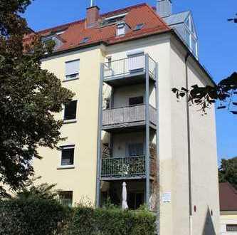 Besondere 1-Zimmer-Dachgeschoss-Wohnung in der Augsburger Innenstadt - Nähe City-Galerie