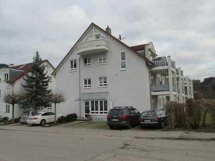 Schöne DG-Maisonettewohnung mit 2 Balkonen und Galerie in 6-Familienhaus zu verkaufen