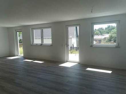 NEUBAU FERTIG ERSTELLT - Altersgerechte 4-Zimmerwohnung mit Garten