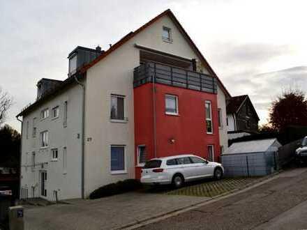 Pfaffenhofen! Großzügige 3-ZKB Whg. im 1. OG mit großem überdachtem Balkon, FBH im Bad und Carport!