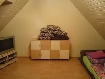 Gemütliches WG-Zimmer mit 22 qm in großen Haus mit Garten