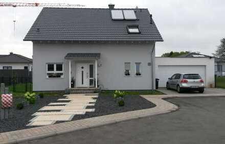 Schönes, geräumiges Haus mit vier Zimmern in Saarlouis (Kreis), Schwalbach