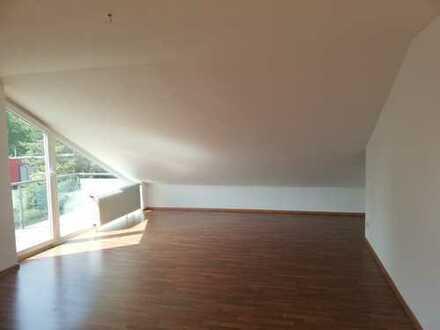 Helle DG-Wohnung in ruhiger Lage mit Südbalkon