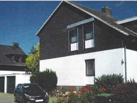 Ansprechende 7-Zimmer-EG-Wohnung mit Balkon in Sickte