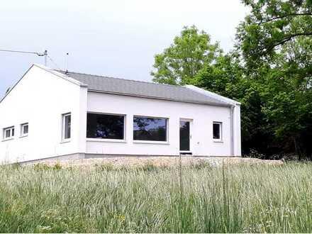 Erstbezug: freundlicher 4-Zimmer-Bungalow mit Einbauküche in Rennertshofen, Rennertshofen
