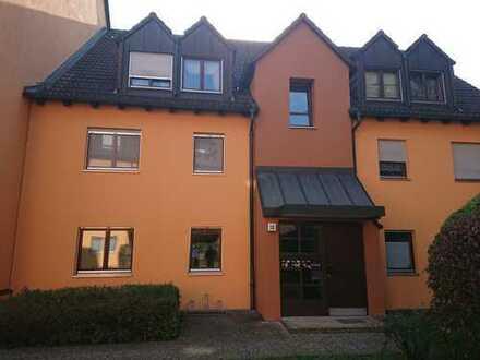 Gepflegte 3-Zimmer-Wohnung mit Balkon und Einbauküche in Nürnberger Land (Kreis) Altdorf