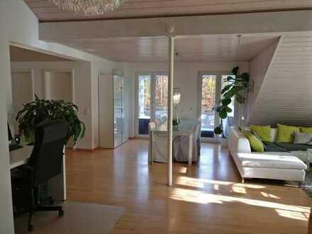 Großzügige 3-Zimmer-DG-Wohnung mit Bad en suite in Eggenstein