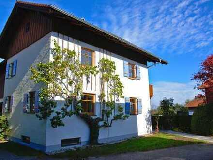 Schönes Haus in Ortsrandlage nähe Chiemsee mit drei Zimmern in Traunstein (Kreis), Übersee