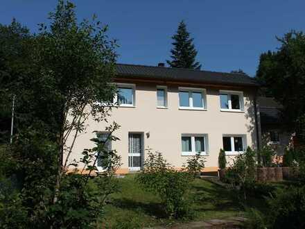Neuwertiges Top Haus , drei Zimmer Bad Einbaukü. Gar. Stellpl. in Alpirsbach- Rötenbach