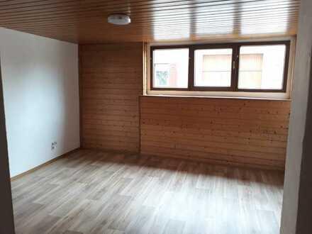 Zimmer mit Bad + separatem Raum in Neustadt-Mußbach