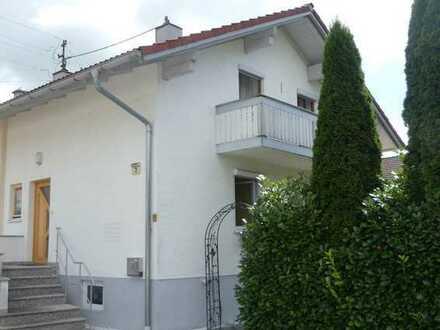 Attraktive und gepflegte 4-Zimmer-Doppelhaushälfte in Ronsberg, Ronsberg