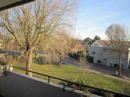 Schöne Wohnung in ruhiger Lage! mit Balkon!