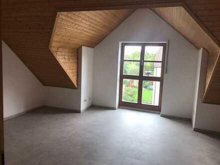 Singletraum! 1-Zimmer-Dachgeschoss-Wohnung in ruhiger Lage