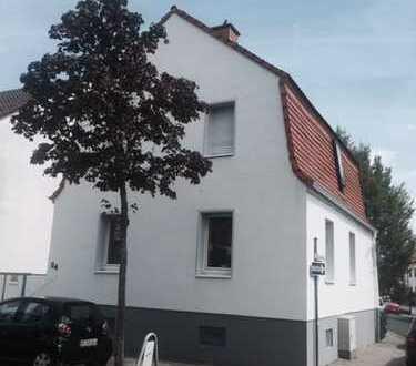 Schönes, individuelles Einfamilien Haus im Herzen von Dietzenbach mit Terrasse u. Innenhof