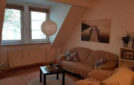 Schöne Dachgeschoss 1 Zimmerwohnung im Stilaltbau in zentraler Lage in Wiesbaden