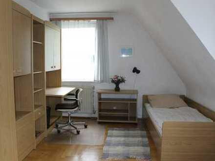 Helles möbliertes Zimmer in guter Lage