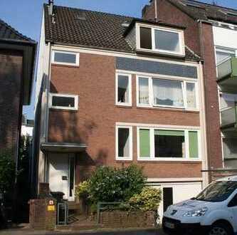 *Schöne Vier-Zimmer-Wohnung in Schwachhausen sucht neuen Mieter*