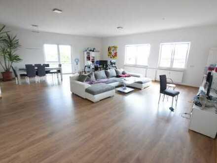 Wohnen und Arbeiten: Neuw. 208 m² Wohnfläche auf einer Ebene