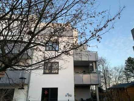 Lichtdurchflutete 3 Zi.-ETW 2. OG Fahrstuhl EBK gr. sonniger Balkon Carport 33334 GT-Süd