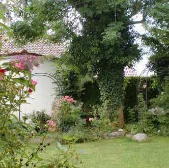 Gartenwohnung mit Stil für solides Paar!