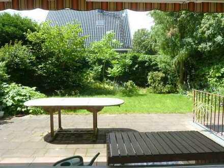 Familienparadies:Großzügige Doppelhaushälfte mit schönem Süd-West-Garten und Garage in ruhiger Lage!