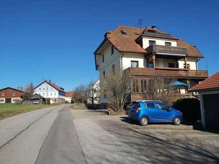 Gepflegte 4,5-Zimmer-Dachgeschosswohnung mit Balkon und Einbauküche in Bad Teinach-Zavelstein