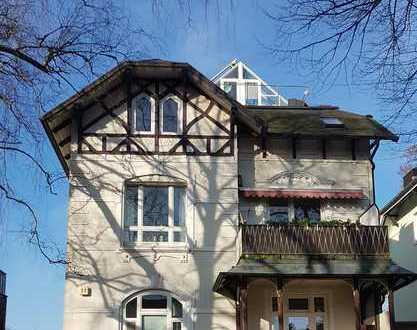 Gepflegte 4-Zimmer-DG-Wohnung mit Wintergarten