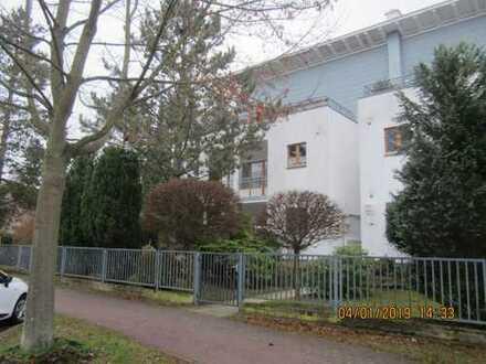 Gepflegte, sehr helle 2-Zimmer-Wohnung mit großem Balkon nach WSW in Bad Saarow, teilw. mit Seeblick