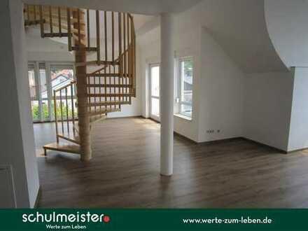 Großzügige Eleganz in guter Lage | 4-Zimmer-Maisonette-Wohnung in schönem Wohnhaus mit Aufzug.