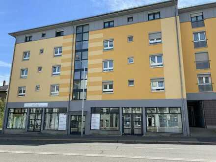 ** schön geschnittene 2 Zimmer Wohnung TG-Stellplatz in Zwickau**