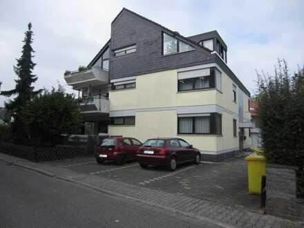 Im 6 Fam.Haus schöne 3 ZKB,Einbauküche, Balkon, Nackenheim