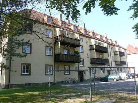 4 Zimmer mit Blick auf den Hofgarten!