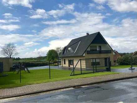 Großes Einfamilienhaus in Kirchdorf zu verkaufen! Doppelgarage und Carport! Partyhäuschen im Garten!